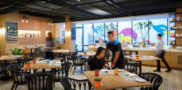streats-buffet-khao-san-2